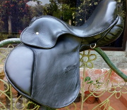 Equestrian English Saddle Dept 12 CM/></a></td>