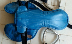 Race Saddle kulit asli warna biru